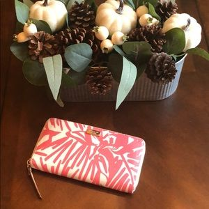 Kate spade wallet! Perfect for spring/summer!